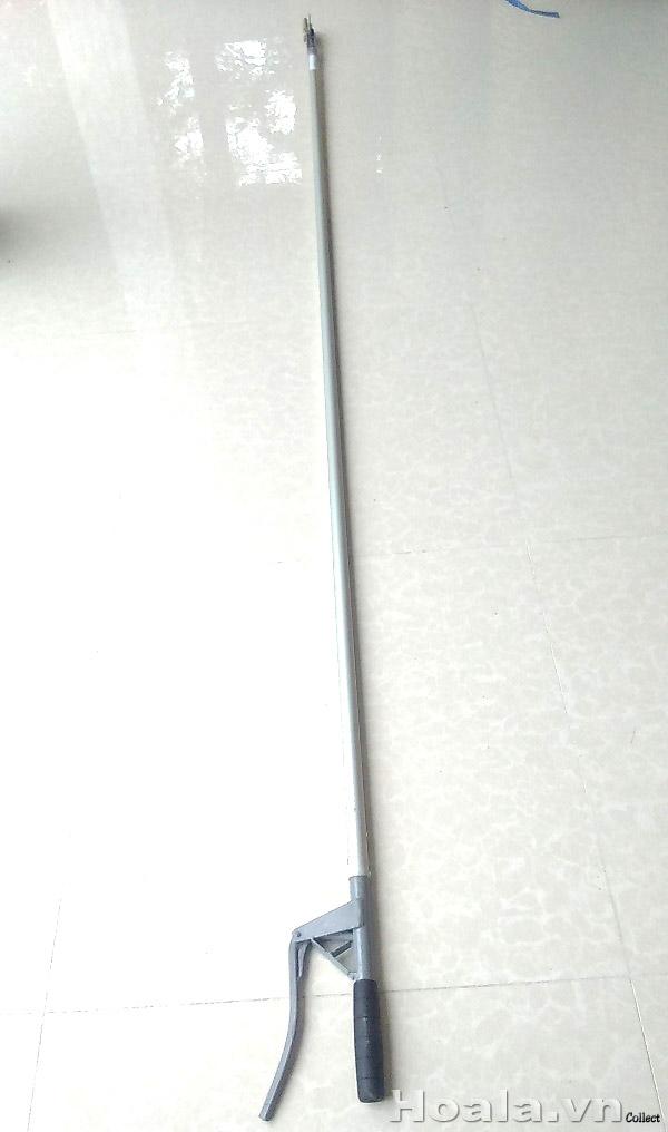 Kéo hái quả, tỉa cành trên cao Phước Lộc 1m6